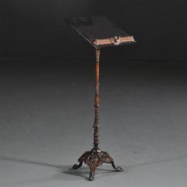 Antiek varia / muziekstandaard / Lezenaar in deels brons gepatineerd gietijzer en marmer (No.410411)