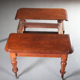 Antieke tafels / Engelse mahonie uittrektafel ca. 1875 met drie originele inlegbladen (No.591031)