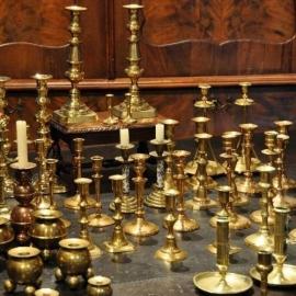 Antieke kandelaars / Stellen antieke tafelkandelaars in vele soorten, maten en prijzen
