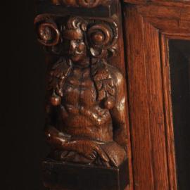 Antieke kasten / vroege Zeeuwe 4-deurskast ca. 1635 in eiken met ebben  (No.521363)