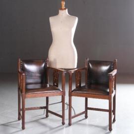 Antieke stoelen / stel van 2 Hollandse bureaustoelen / armstoelen ca. 1900 met leer bekleed (No.582833)