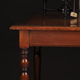 Antieke tafels / Kersenhouten werktafel / schrijftafel met lade en uittrekblaadje 20e eeuw  (No.460249)