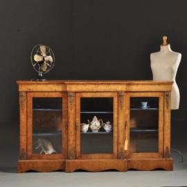 Antieke kasten /  Blonde noten vitrine Credenza met breakfront ca. 1890 met originele ontwerptekening (No.430614)
