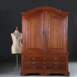 Antieke kasten / Limburgs kabinet ca. 1790 in eikenhout doorleefde oude kleur (No.431164)