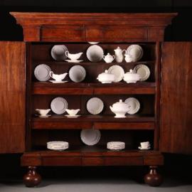 Antieke kasten / Drentse pastoorkast ca. 1700 in bijzonder fraaie oude doorleefde kleur (No.540343)