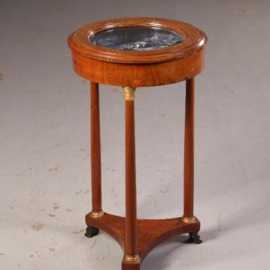 Antieke bijzettafels / Empire stijl Vitrinetafelje / Juwelentafeltje of Horlogetafeltje ca. 1880 in mahonie  (No.541744)