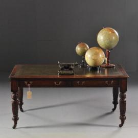 Antieke bureaus / Engelse partnerschrijftafel  in mahonie ca. 1880 met groen leer (No.582835)