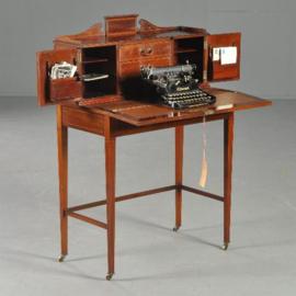 Antieke bureaus /  Engels mahonie dames bureautje ca. 1890 met uitklapbare postvakjes en ingelegd schrijfblad en  (No.281101)