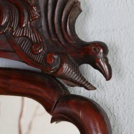 Antieke spiegels / Kleine Soester spiegel in notenhout met bijpassend kroontje  ca. 1800 (No.520605)