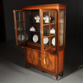 Antieke kasten / Vitrinekast in noten en mahonie rijk ingelegd ca. 1900 (No.472841)