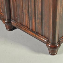 Antieke kasten / Coromandel dressoir met 3 deuren waarvan 2 orgelgebogen ca. 1900 (No.222421)*