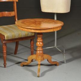 Antieke bijzettafels / wijntafels / Blonde Sorrento salontafel ca. 1900 met geometrisch inlegwerk (No.472051)