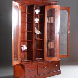 Antieke kasten / Zeer hoge Victoriaanse bibliotheekkast ca. 1870 in mahonie met oud glas (No.580251)