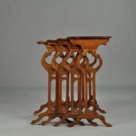 Antieke bijzettafels / 4-delig notenhouten mimiset ca. 1870 Hollands makelij in Franse stijl (No640646)