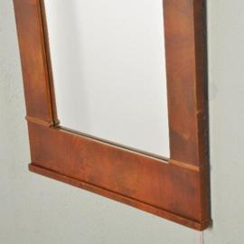 Antieke spiegels / Hollandse Biedermeier spiegel in bloemmahonie ca. 1820 met gewelfde kap (No200257)