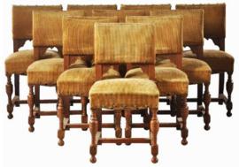 Antieke stoelen / Stel van 10 19e eeuwse Renaissanse eetkamerstoelen bekleding naar wens (No-972330)