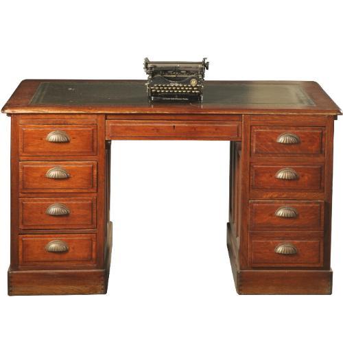 Antieke bureaus / Engels bureau eiken en mahonie ca. 1900 met groen leer (No.431163)