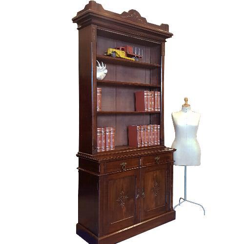 "Antieke kasten / Hoge boekenkast Art en crafts ca. 1890 ""George Davis - Plymouth""  met verstelbare planken (No.602123)"