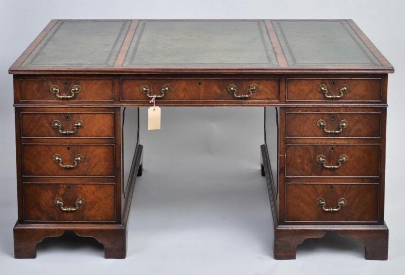 Groot Antiek Bureau.Antieke Bureaus Groot Engels Mahonie Bureau Ca 1850 Met