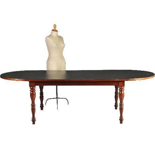 Antieke tafels / Mahoniehouten tafel 2.60 m lang met zwart leer ingelegd blad ca. 1950 (No-290622)