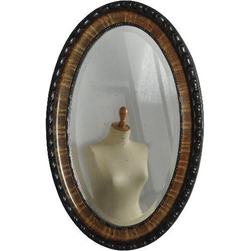 Antieke spiegels / Grote Engelse spiegel, ovaal ca. 1900 met bewerkte rand  (No. 520601)