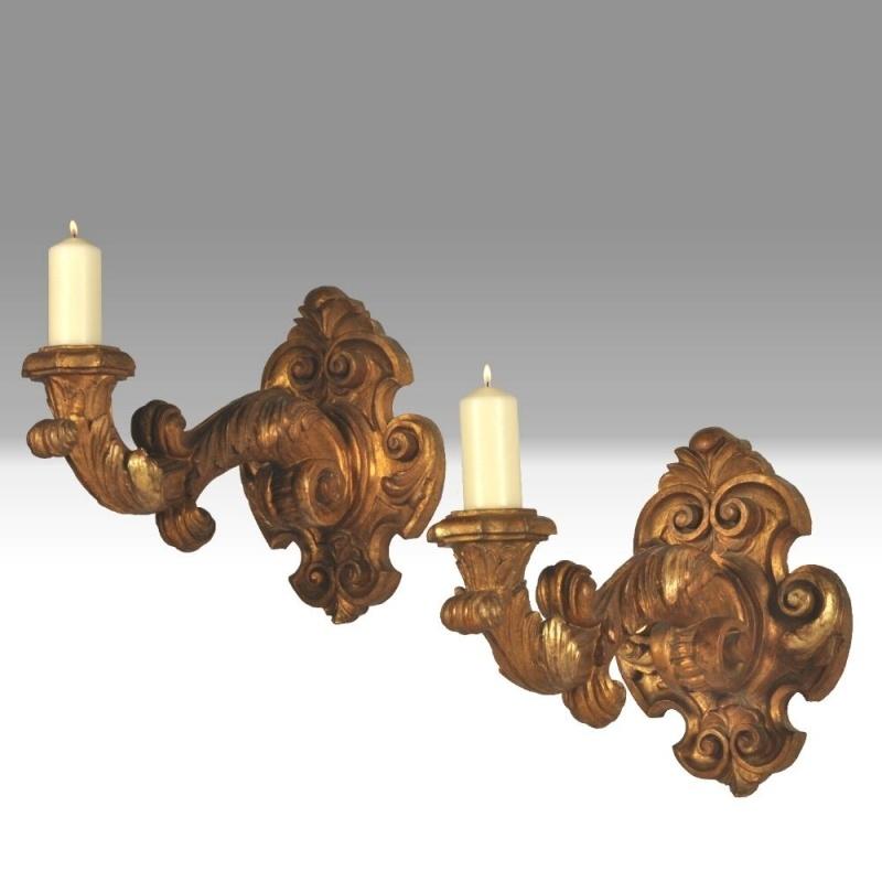Antiek Varia /  Stel reusachtige schouw- of wandkandelaren / wand-appliques ca. 1860 in verguld hout (No.249982)