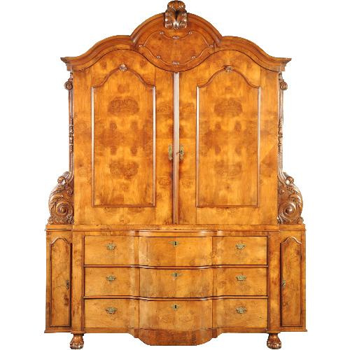Antieke kasten / Uitzonderlijk Hollands barok 4-deurs kabinet ca. 1735 in blond (wortel)notenhout (No-351051)