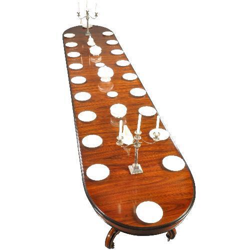 Lange antieke tafel