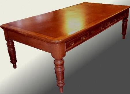 antieke schrijftafel
