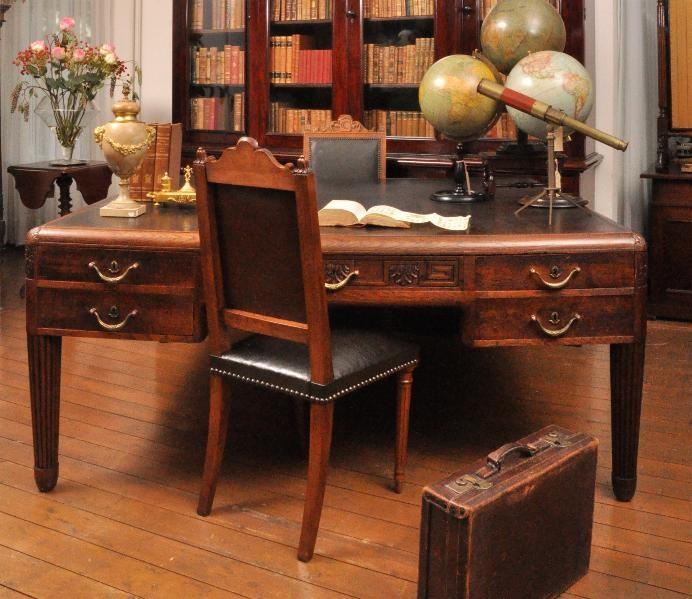 Groot bureau koffer stoel