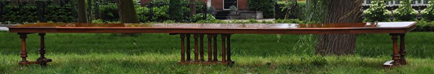 Antieke lange tafel