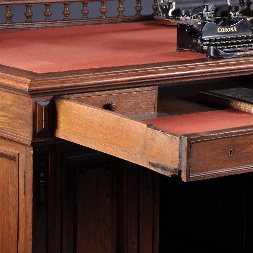 antieke bureau hoog