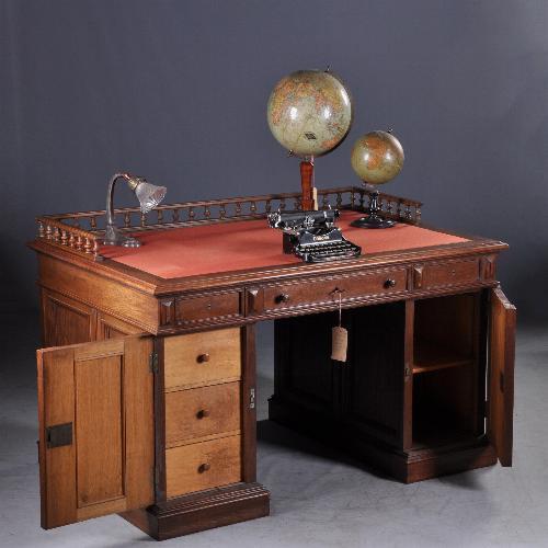 antiek bureau rood ingelegd laken leer naar wens mogelijk