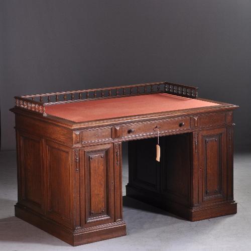antieke eikenhouten bureau