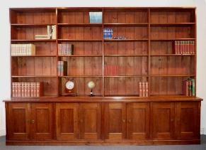 grote antieke boekenkast