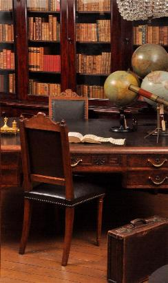 Antiek bureau