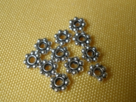 TIBZ-003 Spacer met 7 bolletjes, 4 mm