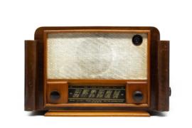 A.bsolument Nr. 570 - Echte Vintage Jaren 50 Radio met Bluetooth en audio ingang