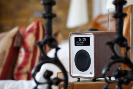 Ruark Audio R1 deluxe tafelradio met DAB+, FM en Bluetooth, Rich Walnut