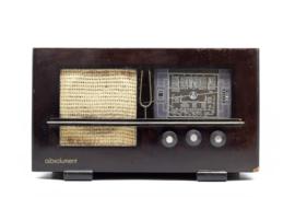 A.bsolument Nr. 796 - Echte Vintage Jaren 40 Radio met Bluetooth en audio ingang
