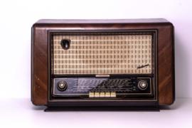 A.bsolument Nr. 770 - Echte Vintage Jaren 50 Radio met Bluetooth en audio ingang