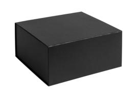 Magneetdoos ongelamineerd, 23x23x11cm, verpakt per 25 stuks. Wit, bruin of zwart.