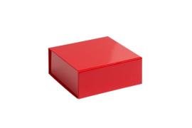 Magneetdoos glans gelamineerd, 13,5x14,5x5,5cm, verpakt per 25 stuks. Rood, zilver of goud.