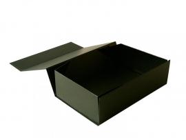 Gift Box DeLuxe; luxe geschenkdoos mat gelamineerd, ZWART 20x13x7cm, verpakt per 50 stuks.