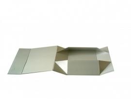 Gift Box DeLuxe; luxe geschenkdoos mat gelamineerd, WIT GLOSS 12,5x8,5x3,5cm, verpakt per 50 stuks.
