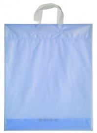 Kunststof draagtas met lus handgreep formaat 38x45+5cm, ijsblauw, verpakt per 500 stuks.
