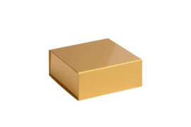 Magneetdoos glans gelamineerd, 14x14,5x5,7cm, verpakt per 25 stuks. Rood, zilver of goud.