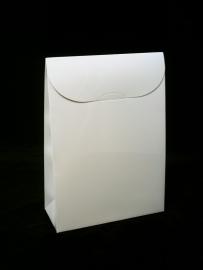 Triangle medium; 9x4,5x13cm, verpakt per 100 stuks