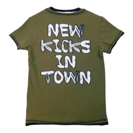 0005 Legends22  Shirt new kicks 19-105