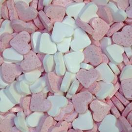 900 gram Roze/witte dextrose hartjes met fruitsmaak